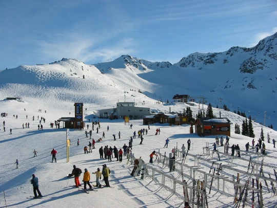 http://stepwest.files.wordpress.com/2010/11/ski-whistler.jpg